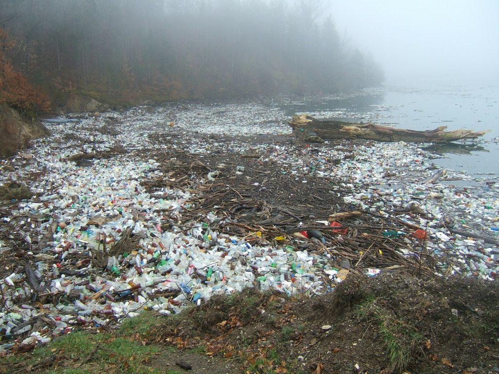 plastový odpad aživotné prostredie